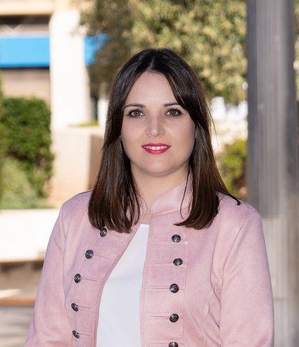 Dña. Antonia Cánovas Caro