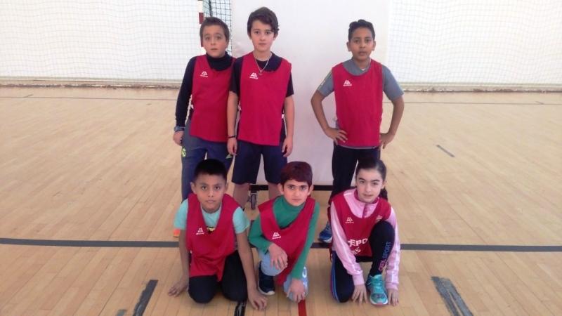 La Concejalía de Deportes ha puesto en marcha la Fase Local de Baloncesto de Deporte Escolar, que cuenta con la participación de 417 escolares de los diferentes centros de enseñanza