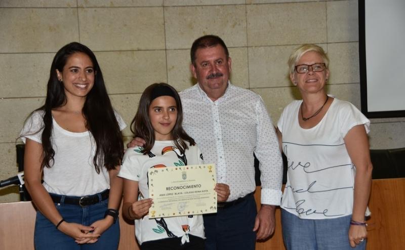 VÍDEO. El Ayuntamiento realiza un reconocimiento institucional a los escolares de los distintos centros educativos de Totana que han obtenido buenos resultados en el programa regional de Deporte Escolar
