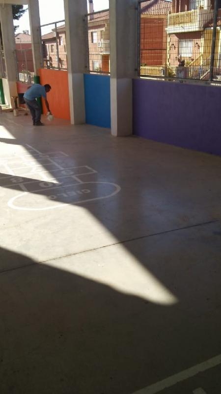 La Concejalía de Obras e Infraestructuras acomete numerosas actuaciones de mejora y acondicionamiento en los colegios de Totana coincidiendo con las vacaciones escolares de verano