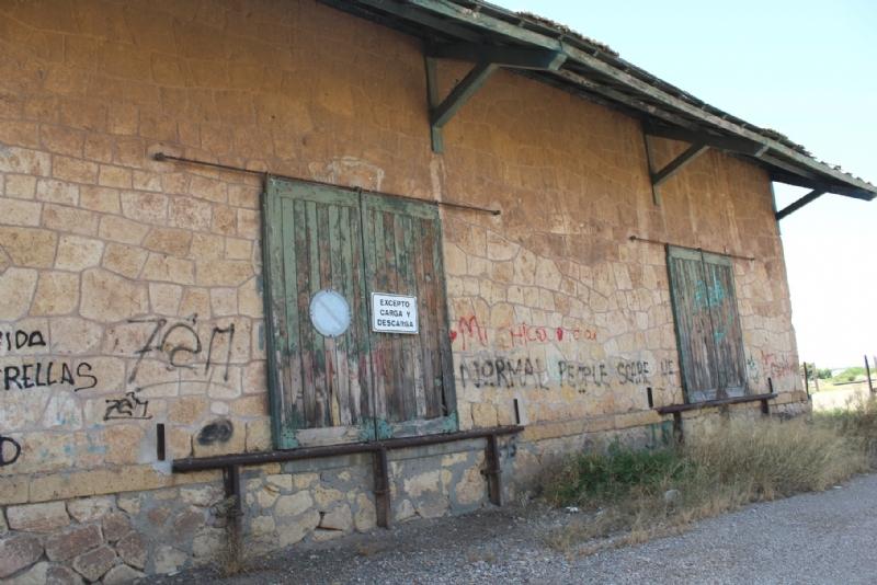 El Consistorio totanero va a iniciar las negociaciones para la cesión y, en su caso, la adquisición del viejo almacén de Renfe para su reconversión como Centro Juvenil