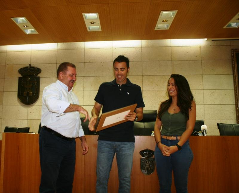 Vídeo. El Ayuntamiento de Totana realiza un reconocimiento institucional al tenista totanero, Pedro Cánovas, reciente campeón de Europa senior +35 con el Murcia Club de Tenis
