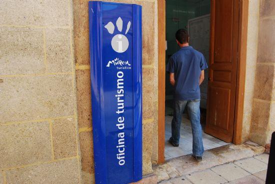 La oficina de informaci n tur stica de totana ha recibido for Oficina de turismo sevilla