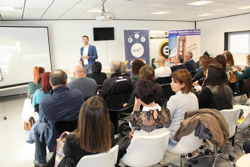 """Más de 40 empresarios y autónomos asisten a la acción formativa de motivación y asesoramiento estratégico promovida por """"Guadalentín Emprende"""" en el Vivero de Empresas"""