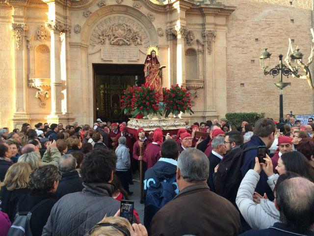 Más de 10.000 personas acompañan en romería a la Patrona de Totana ... 9fa758b1ce3