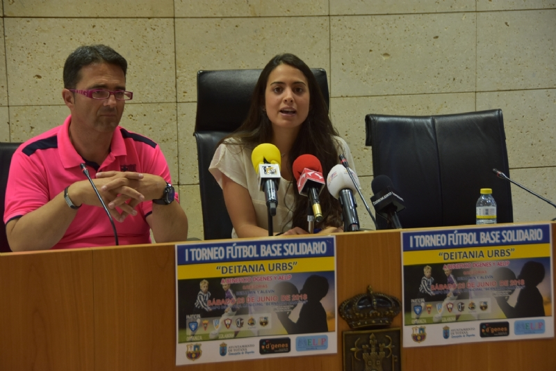 """VÍDEO. El campo municipal """"Bernardo Cánovas"""" del Paretón acogerá el próximo 23 de junio el I Torneo de Fútbol Base Solidario """"Deitania Urbs"""", a beneficio de D�Genes y AELIP"""