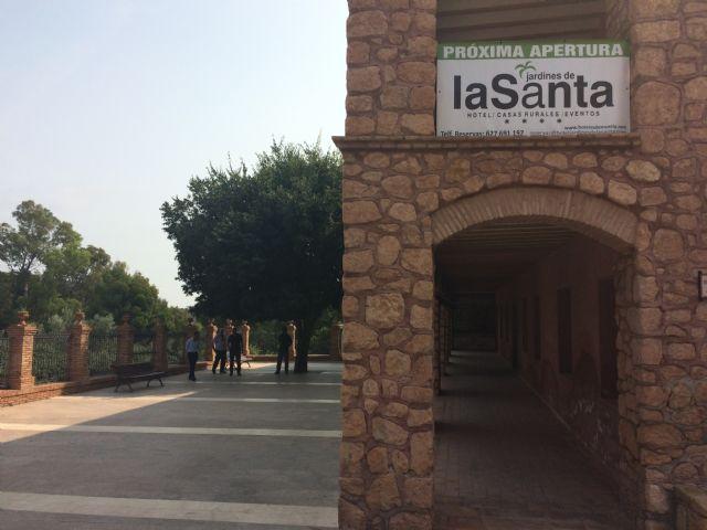 """El Ayuntamiento suscribe mañana el contrato de arrendamiento del complejo hotelero de La Santa para los próximos veinte años con la mercantil """"Hoteles de Murcia, SA"""""""