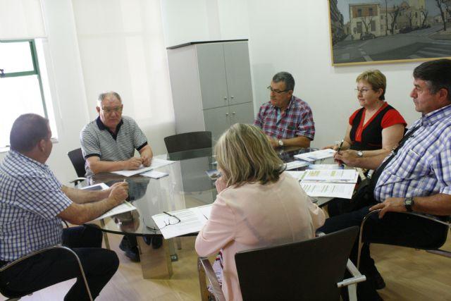 Se da cuenta a varias entidades sin ánimo de lucro de Totana de la convocatoria de ayudas procedentes de los fondos europeos FEADER