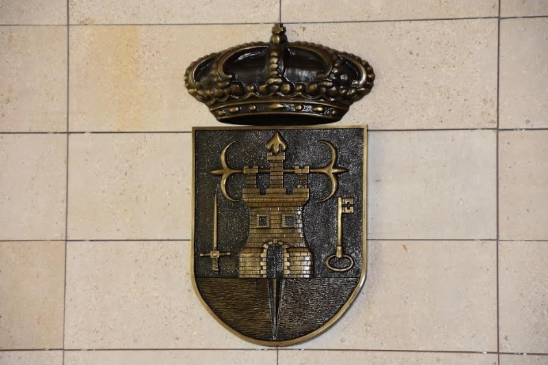 El Pleno aprueba tramitar la convocatoria de elecciones para la renovación y puesta en marcha de la figura del Defensor del Vecino