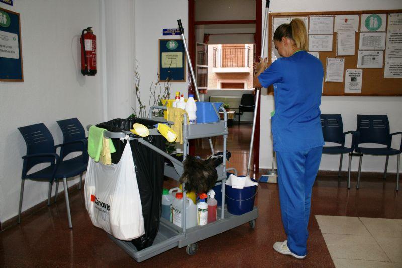 """Adjudican a la mercantil """"Agrupación Díez de Mula, SL"""" el nuevo servicio de limpieza de interiores en centros e instalaciones municipales de Totana"""