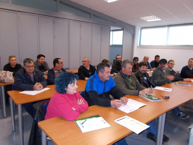 La Concejalía de Desarrollo Económico inaugura el Curso de Poda del Almendro en el Centro de Desarrollo Local, en colaboración con la Unión de Pequeños Agricultores (UPA)