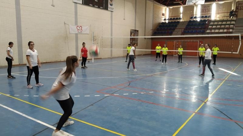 Águilas acogió la Fase Intermunicipal de Voleibol de Deporte Escolar, que contó con la participación de un equipo infantil femenino del Colegio Reina Sofía