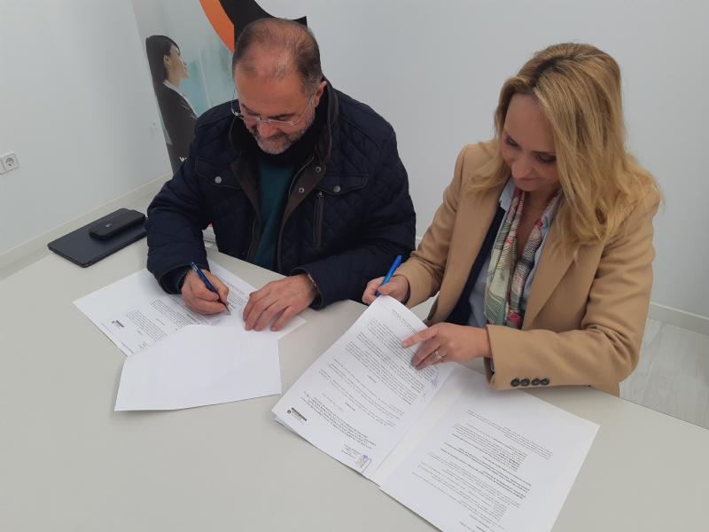 """Vídeo. El Ayuntamiento suscribe un convenio con la Asociación de Jóvenes Empresarios """"Guadalentín Emprende"""" para fomentar la cultura emprendedora y la creación de empresas en Totana"""
