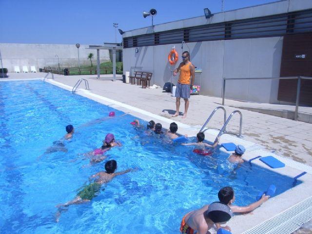 """La Concejalía de Deportes informa que mañana 17 de junio comienza la temporada de las piscinas en el Complejo Deportivo """"Guadalentín"""", en la pedanía de El Paretón"""