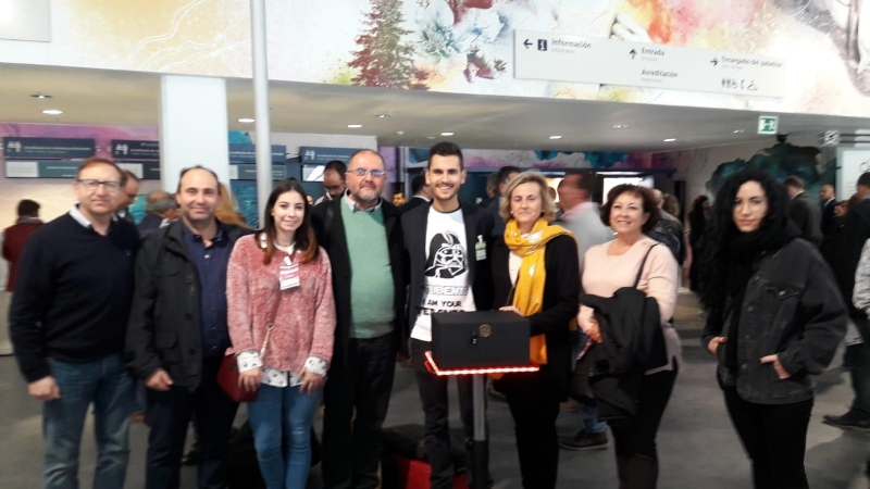 Autoridades municipales asisten a la Feria SIMO�2018 acompañando al totanero Pedro A. García Tudela, quien presenta un innovador proyecto pedagógico desarrollado en el CEIP Comarcal