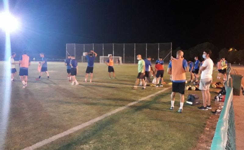 Las instalaciones de la Concejalía de Deportes acogen desde el pasado lunes los entrenamientos del equipo de Tercera División, Olímpico Club de Fútbol