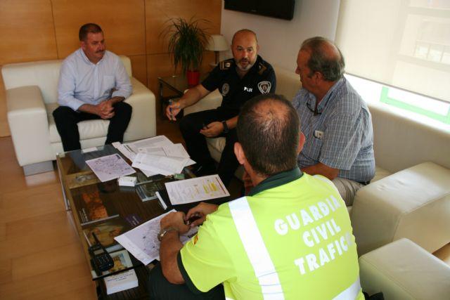 """Ayuntamiento y """"Unipublic"""" se reúnen para coordinar el dispositivo de seguridad y emergencias con motivo de la 10� etapa de la Vuelta Ciclista a España que pasará por Totana el próximo 29 de agosto"""