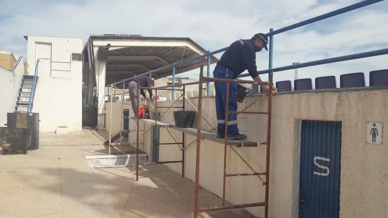 La Concejalía Deportes efectúa diversos trabajos de mantenimiento y gestión interna en las instalaciones deportivas del municipio coincidiendo con la suspensión de los servicios