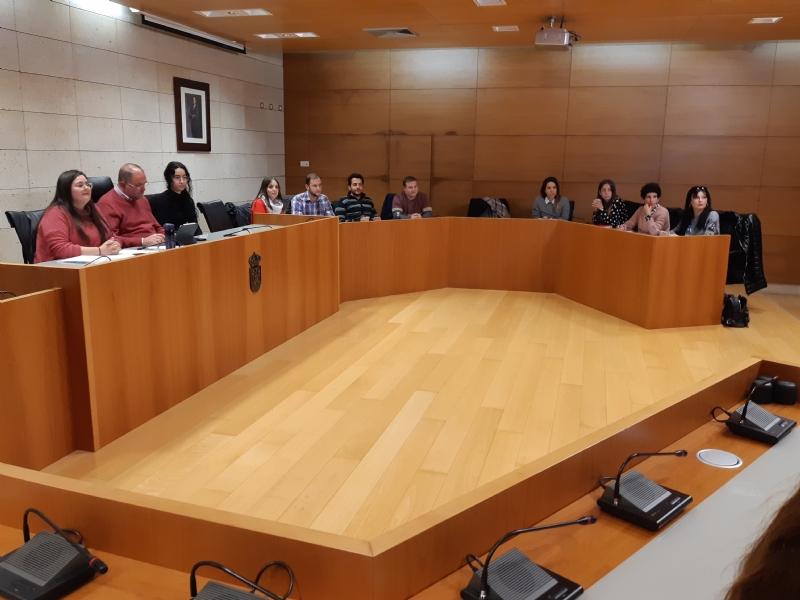 Se celebra, por vez primera en esta legislatura, la Comisión Municipal de Infancia y Juventud en la que se aborda la necesidad de crear espacios de encuentro y reflexión juvenil