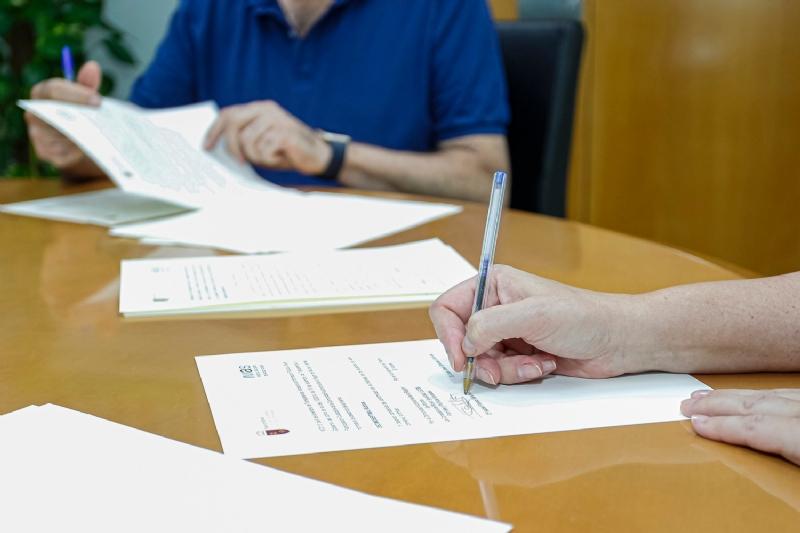 El Ayuntamiento y el IMAS suscriben un convenio para la prestación del Servicio de Ayuda a Domicilio para personas dependientes hasta marzo del 2022
