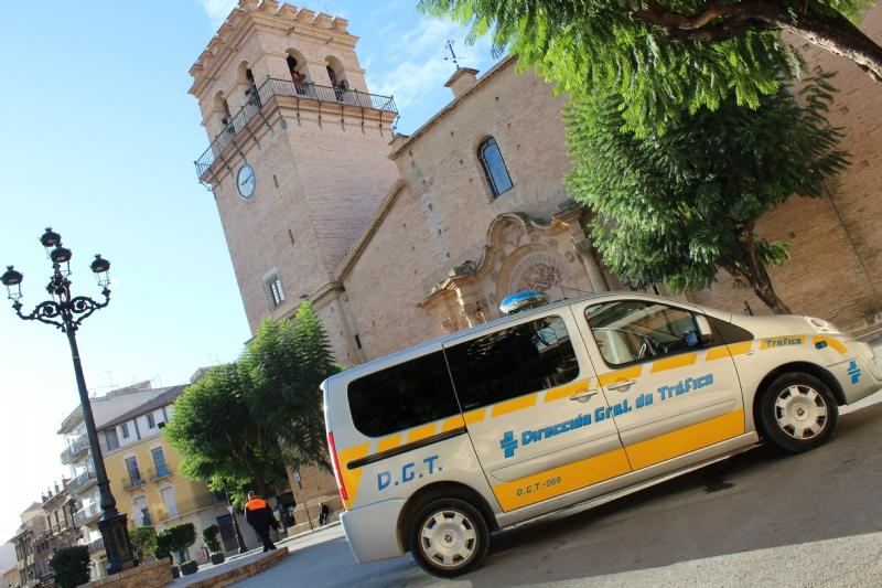 Agentes de la Policía Local de Totana recuperan un vehículo robado en una pedanía de Murcia y detienen al presunto autor del delito