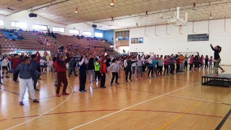 """Un total de 339 escolares de sexto curso de Educación Primaria participan en la II Jornada Acuática, organizada por la Concejalía de Deportes y el Centro Deportivo """"MOVE"""""""