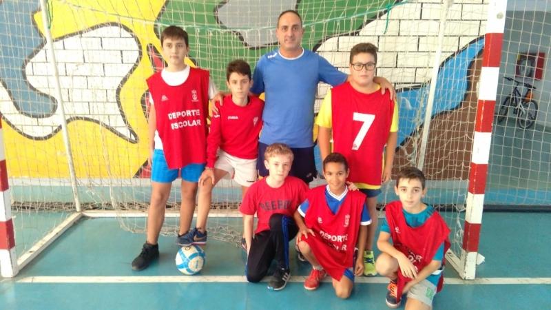 Deportes pone en marcha la Fase Local de Fútbol Sala de Deporte Escolar, que cuenta en este curso con la participación de 499 escolares de los diferentes centros de enseñanza