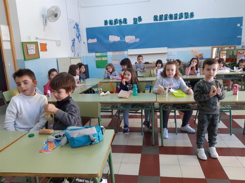 """Comienza la Escuela de Navidad, programa de conciliación laboral y familiar que promueve """"El Candil"""", que se desarrolla desde hoy y hasta el 3 de enero, con un total de 100 plazas"""