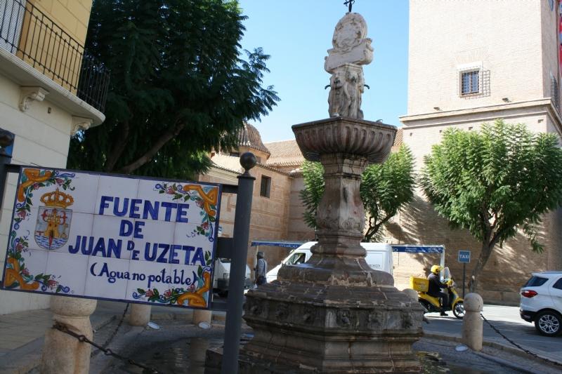 """Se adjudica el contrato de rehabilitación de la Fuente Juan de Uzeta y su entorno a la mercantil """"Salmer Cantería y Restauración, SL"""" por un importe de 42.989,59 euros"""
