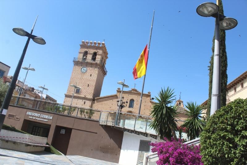 El Ayuntamiento de Totana se adhiere a la declaración de luto oficial durante diez días como testimonio de dolor por el fallecimiento de miles de españoles a causa del COVID-19