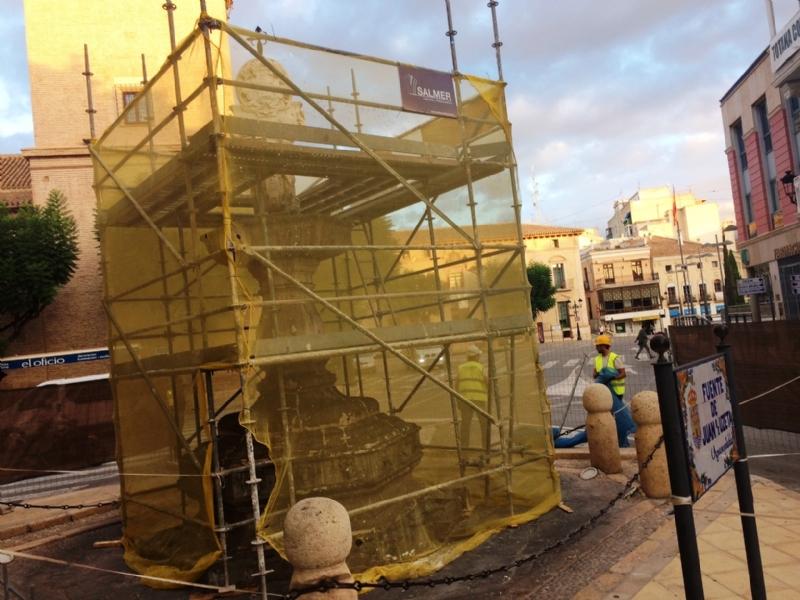 Comienzan las obras de rehabilitación de la Fuente Juan de Uzeta, financiadas por la Comunidad Autónoma por importe de 43.000 euros, que se prolongarán hasta mediados de noviembre