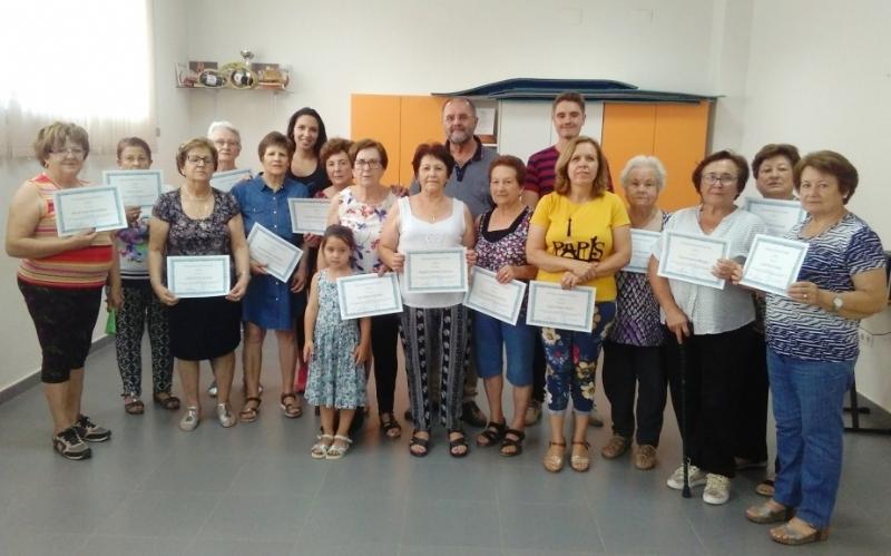 Finaliza el programa de Gimnasia para Personas Mayores 2018/19 en El Paretón, organizado por la Concejalía de Deportes, con la entrega de diplomas a todas las participantes