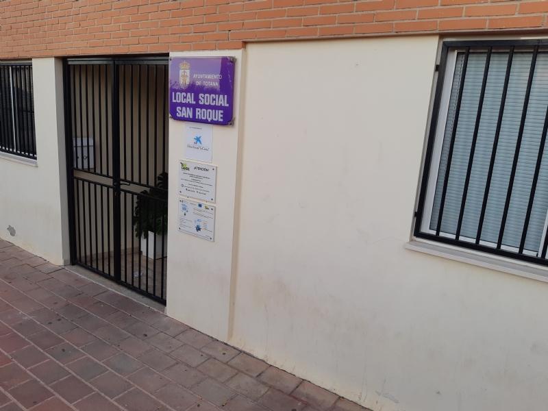 """Renuevan un año más la cesión del Local Social del barrio de San Roque al Colectivo para la Promoción Social """"El Candil"""" para su gestión y dinamización"""