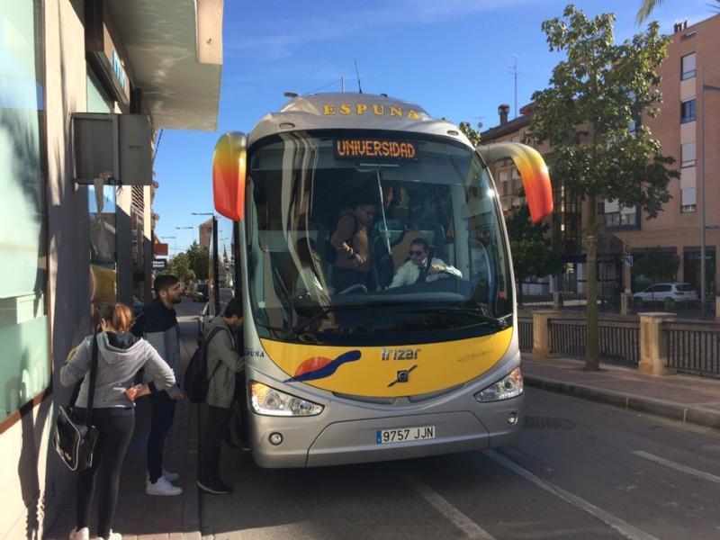 Se insta a la Consejería de Educación a que elabore un Plan de Transporte Escolar Regional que recoja las enseñanzas no obligatorias, básicamente Bachillerato y FP