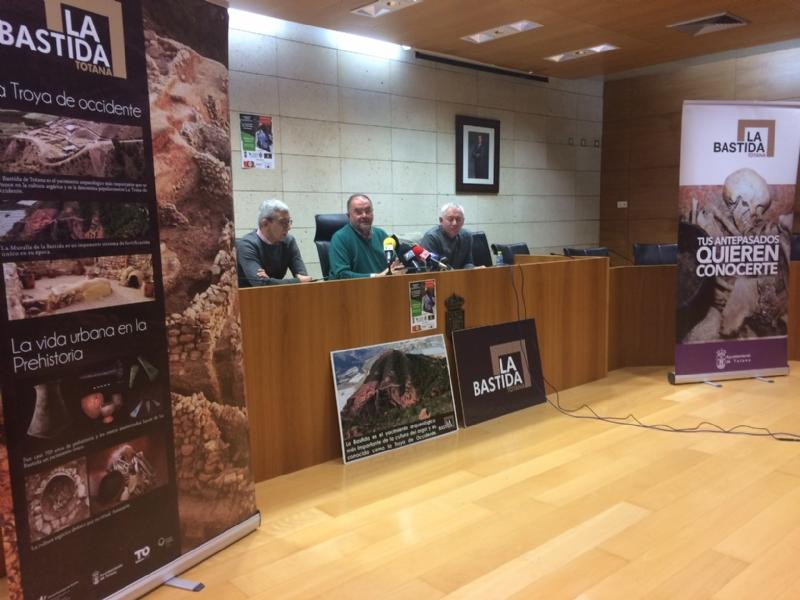 Vídeo. Yacimientos Arqueológicos aboga por proyectar una colección museográfica permanente de La Bastida en la antigua sede del Centro de Artesanía para mejorar la oferta turística local