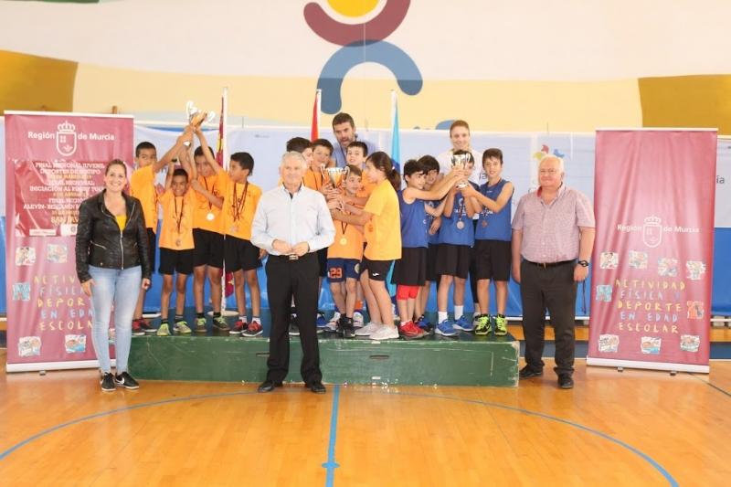 El programa de Deporte Escolar ofertado por la Concejalía de Deportes ha registrado, en su última edición, una participación de 2.069 escolares de los diferentes centros de enseñanza