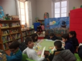 """Más de 200 escolares de seis colegios de Totana participan en la actividad de animación a la lectura """"El tesoro del pirata"""", promovida por la biblioteca municipal """"Mateo García"""""""