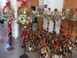 Vídeo. Usuarios de los centros de día para la discapacidad de Totana hacen entrega a la Asociación de Comerciantes de los adornos de Navidad que decorarán de forma uniforme los establecimientos - Foto 3
