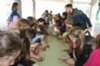 """Un centenar de niños se benefician esta Navidad del servicio de conciliación de la vida laboral y familiar, que oferta Juventud y coordina """"El Candil"""" en los colegios """"Santiago"""" y """"La Cruz"""" - Foto 2"""