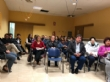 Más de una veintena de padres y madres asisten a la reunión para analizar el futuro de la comunidad educativa y el centro de enseñanza de la pedanía de Lébor - Foto 3