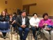 Más de una veintena de padres y madres asisten a la reunión para analizar el futuro de la comunidad educativa y el centro de enseñanza de la pedanía de Lébor - Foto 7
