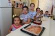 """Cerca de una veintena de niños y niñas participan en el Taller de Cocina Creativa y Divertida que se celebra en las cocinas del Centro Sociocultural """"La Cárcel"""" - Foto 3"""