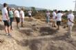 """Vídeo. Un total de 18 voluntarios participan en el VI Campo Arqueológico del Yacimiento de Las Cabezuelas, organizado por la Asociación para la Promoción Social y Turística """"Kalathos"""" - Foto 1"""