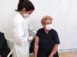 """Un total de 1.308 personas más nacidas entre los años 1941 y 1953 fueron vacunadas ayer en el Pabellón de Deportes """"Manolo Ibáñez"""" - Foto 7"""